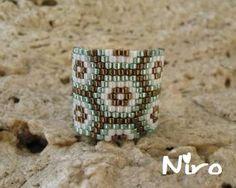 Loom Bracelet Patterns, Bead Loom Bracelets, Bead Loom Patterns, Peyote Patterns, Beading Patterns, Diy Beaded Rings, Beaded Jewelry Designs, Bead Embroidery Jewelry, Beaded Jewelry