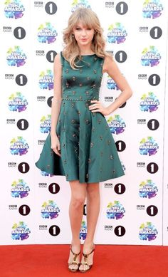 Taylor Swift.....o the dress