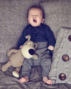 Hoy lunes toca dormir prontito!! #bebenube #bebé #mamá #canastilla #bebeabordo #comomola #baby #maternidad #babyboy #babygirl #instamami