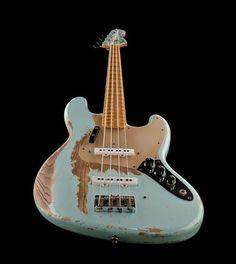 Fender 1970 Jazz Bass Heavy Relic SB bass guitar, heavy relic, masterbuild by Dale Wilson, colour: sonic blue #thomann #bass #fender #BassGuitar