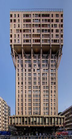 Torre Velasca | Milan, Italy | BBPR/Gian Luigi Banfi, Lodovico Barbiano di Belgiojoso, Enrico Peressutti, and Ernesto Nathan Rogers