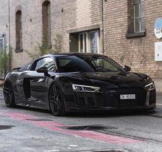 "2,320 curtidas, 5 comentários - Amazing Cars | Boss Bikes (@illitestatus) no Instagram: ""Nasty Audi R8 Double Tap! ____ By @srs_swissrichstreets"""