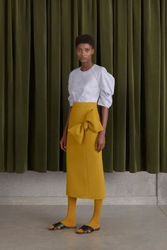 Roksanda Resort 2017 Fashion Show