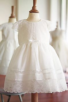 Doux dentelle soie nœud long enfant 0-24 mois Baptême Robes de baptême robe