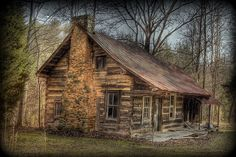 old fading Tennessee homestead