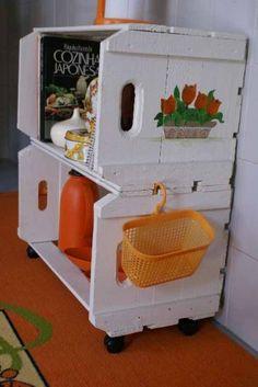 Caixotes de feira na cozinha 011