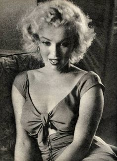 Marilyn Monroe photographed by Ben Ross, 1952.