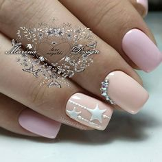 Elegant And Stylish Star Nails Designs ❤️ A complete compilation of star nails art: pastel star nails glitter star nails gold star nails and many more! Star Nail Designs, Ombre Nail Designs, Simple Nail Designs, Nail Polish Designs, Nail Art Noel, Star Nail Art, Star Nails, Christmas Nail Designs, Christmas Nail Art