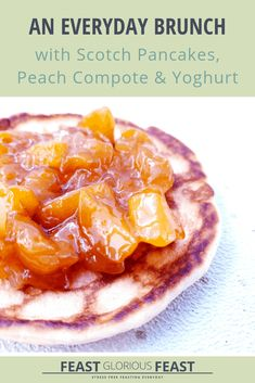 These pancakes & peach compote is brunch or breakfast taken to the next level but with minimal effort! Add a little yoghurt and a drizzle of syrup too! Brunch Drinks, Brunch Dishes, Brunch Party, British Pancakes Recipe, Tasty Pancakes, Scotch Pancakes, Drop Scones, Compote Recipe, Brunch