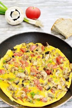 Fast chicken, tomato and cheesecake of mushrooms Source by Egg Recipes, Diet Recipes, Dessert Recipes, Healthy Recipes, Desserts For A Crowd, Easy Desserts, Romanian Food, Stuffed Mushrooms, Chicken Mushrooms