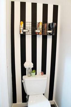 New Bathroom Apartment Decoration Wall Colors Ideas Decoration Wc Originale, Wc Decoration, Diy Wall Decor, Diy Home Decor, Room Decor, Deco Wc Original, Renters Wallpaper, Croscill Bedding, Washi Tape Wall