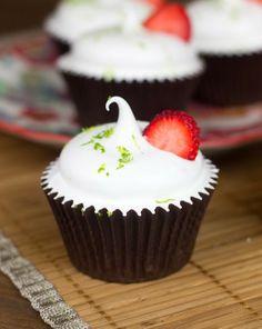 Cupcakes de fresa y lima bajos en grasa