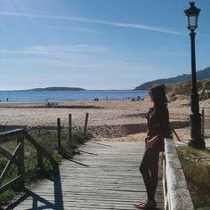 Aprovechando el buen tiempo    #paseodedomingo #playaamerica #galifornia by gotademar23