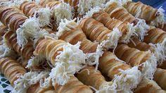 Ez az epertorta a rabjává tesz: se liszt, se cukor nem kell hozzá! Savory Pastry, Cheese Rolling, Hungarian Recipes, My Recipes, Pasta Salad, Goodies, Food And Drink, Yummy Food, Snacks
