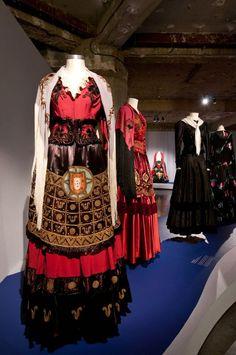 """Exposição """"O Fado e a Moda"""" Folk Costume, Costumes, Eurotrip, My Heritage, Portuguese, Dress Up, Folk Clothing, Azores, My Style"""