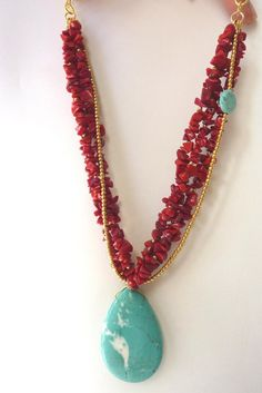 Coral red and turquoise. Wire Jewelry, Boho Jewelry, Jewelry Crafts, Gemstone Jewelry, Beaded Jewelry, Jewelery, Jewelry Necklaces, Jewelry Design, Bracelets