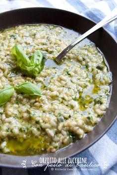 Orzotto alle zucchine con pesto di basilico homemade - Noodloves