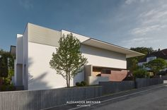 SOL House - Alexander Brenner Architects