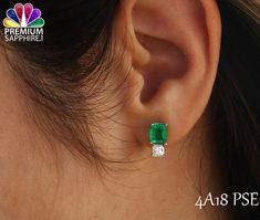 Look beautiful with the beauty of this Colombian emerald stone pair of earrings