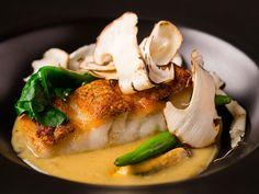 コスパ抜群!代官山の隠れ家レストランで、松茸やトリュフを使ったコースが超お得に![東京カレンダー] Sashimi, Bon Appetit, Thai Red Curry, Food And Drink, Snacks, Dinner, Cake, Ethnic Recipes, Kitchen