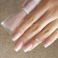 Want some ideas for wedding nail polish designs? This article is a collection of our favorite nail polish designs for your special day. Perfect Nails, Gorgeous Nails, Pretty Nails, Nude Nails, Pink Nails, Nail Ring, French Nails, Manicure And Pedicure, Natural Nails