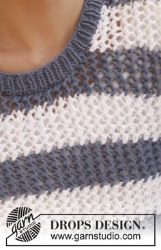 """Knitted DROPS jumper with lace pattern in """"Paris"""". Size S-XXXL Free pattern by DROPS Design."""