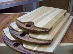Bunch O' Edge Grain cutting boards Diy Cutting Board, Wood Cutting Boards, Wooden Cheese Board, Kitchen Board, Small Wood Projects, Wood Creations, Wooden Art, Wood Design, Wood Turning
