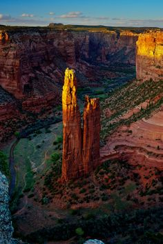 Spider Rock, Canyon de Chelly, Arizona - Explore the World with Travel Nerd Nici, one Country at a Time. http://travelnerdnici.com/