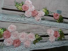 LOY HANDCRAFTS, TOWELS EMBROYDERED WITH SATIN RIBBON ROSES: NATAL.