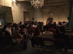 """Salão Nobre do Teatro da Trindade cheio para o espetáculo """"The Illusion Of Memory"""", de Leandro Morgado"""