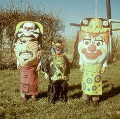 Vintage Halloween photo Vintage Halloween Photos, Retro Halloween, Halloween Items, Halloween Pictures, Creepy Halloween, Halloween Masks, Holidays Halloween, Happy Halloween, Vintage Photos
