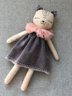 PDF Cloth Doll Pattern Sewing Tutorial Soft Doll Pattern This tutorial consists of doll patterns Also there is a tutorial with photos of making a doll body The pattern is on sheet of paper. For this doll body you will need cotton fabric. Fabric Toys, Fabric Crafts, Paper Toys, Cat Doll, Creation Couture, Sewing Toys, Soft Dolls, Doll Crafts, Handmade Toys