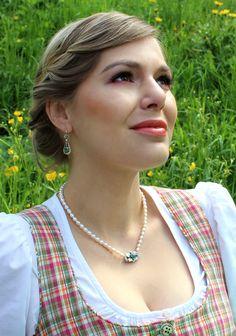 Frühlingsfrische Dirndl Accessoires Elegant, Arrow Necklace, Jewelry, Fashion, Freshwater Pearl Necklaces, Dirndl, Silver, Classy, Jewlery
