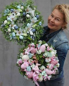 1 million+ Stunning Free Images to Use Anywhere Easter Flower Arrangements, Easter Flowers, Spring Flowers, Wreath Crafts, Diy Wreath, Easter Wreaths, Holiday Wreaths, Diy Easter Decorations, Summer Wreath