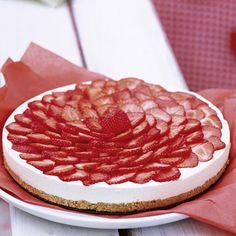 quark-cream and strawberries