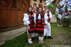 TUDOR PHOTO BLOG Photo Blog, Tudor, Romania, Costume, Dresses, Fashion, Vestidos, Moda, Fashion Styles