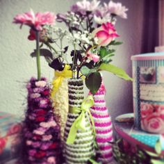 Vases made of bottles and yarn