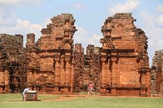 The famous Ruins of San Ignacio Miní, declared World Heritage by UNESCO in 1984, It´s the most emblematic Jesuit reductions in America. See for yourself!