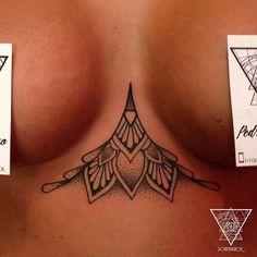 under boob tattoo Mais