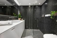 I lugnt kvarter med närhet till pulsen finner ni nu denna välplanerade och smakfulla pärla. Lägenheten är renoverad till högsta skick med påkostade materialval som massiva golv i vitask, platsbyggda skjutdörrar och diskreta elementskydd. Välplanerad och social lägenhet med öppen planlösning. Generöst sovrum, stort badrum samt walk-in-closet. Badrummet har regndusch, golvvärme, handdukstork och stor spegel. Tvättmaskin med torktumlare finns dolt placerat. Varmt välkommen på visning!- Lugn adre... Alcove, Bathtub, House Design, Living Room, Bathroom, Velvet, Standing Bath, Washroom, Bathtubs