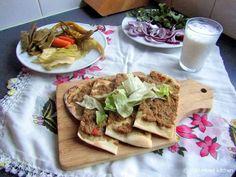 Mijn mixed kitchen: Etli ekmek (Turks platbrood met gehaktvulling)