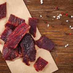 Beef jerky: domowa suszona wołowina Making Beef Jerky, Homemade Beef Jerky, Gas Station Food, Best Cut Of Beef, Biltong, Meat Substitutes, The Cure, Snacks, Sons