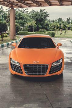Matte orange Audi R8 V10.