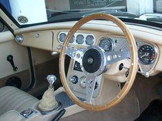 1976 MGB GT V8