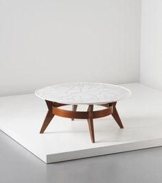 Luisa and Ico Parisi | Unique low table, from the XXX Fiera Campionaria, Milan | Incised and painted Carrara marble, walnut | 1946