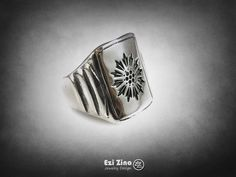ezi zino Jewelry Designer the great gatsby Signet ring Sterling Silver 925 The Great Gatsby Book, Argent Sterling, Signet Ring, Beautiful Rings, Zine, Jewelry Art, Sterling Silver Jewelry, Cuff Bracelets, Jewelry Designer