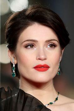 Our favourite beauty moments from the red carpet - see more via the link in bio Gemma Arterton, Gemma Christina Arterton, Makeup Goals, Beauty Makeup, Hair Beauty, Short Sassy Hair, Short Hair Styles, Beautiful Celebrities, Beautiful People
