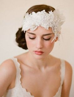 Steal Anne Hathaway's Rustic-Chic Wedding Style | TheKnot Blog