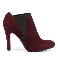Bottes à talons hauts fines avec élastique - Unisa Europa High Heels, Shoes Heels, Fashion Ideas, Oc, Winter Fashion, Peep Toe, Booty, My Style, Women