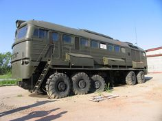 Converted Russian M-62 diesel locomotive | via Bassmen